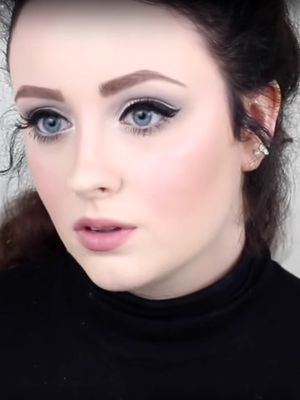 Watch This Vlogger Transform Into Adele Using Just Makeup