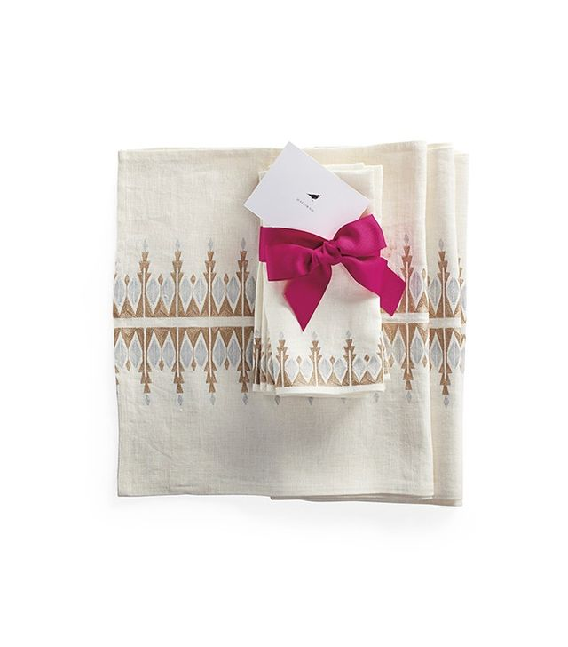 Serena & Lily Bergen Table Runner and Set of 4 Bergen Napkins