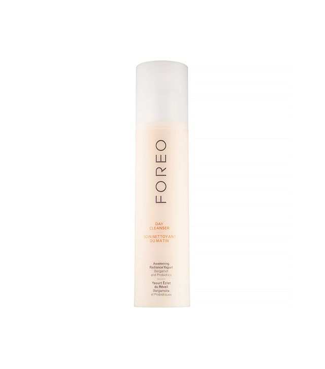 Foreo Awakening Radiance Yogurt Day Cleanser