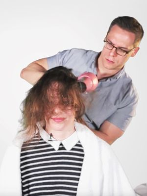 Watch These Guys Give Their Girlfriends Blowouts