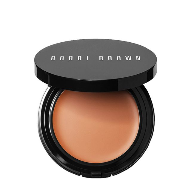 How to apply foundation: Bobbi Brown Long-Wear Even Finish Compact Foundation