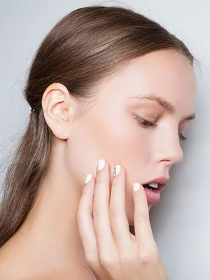 The Expert Scoop on 2015's Top Bridal Nail Trends