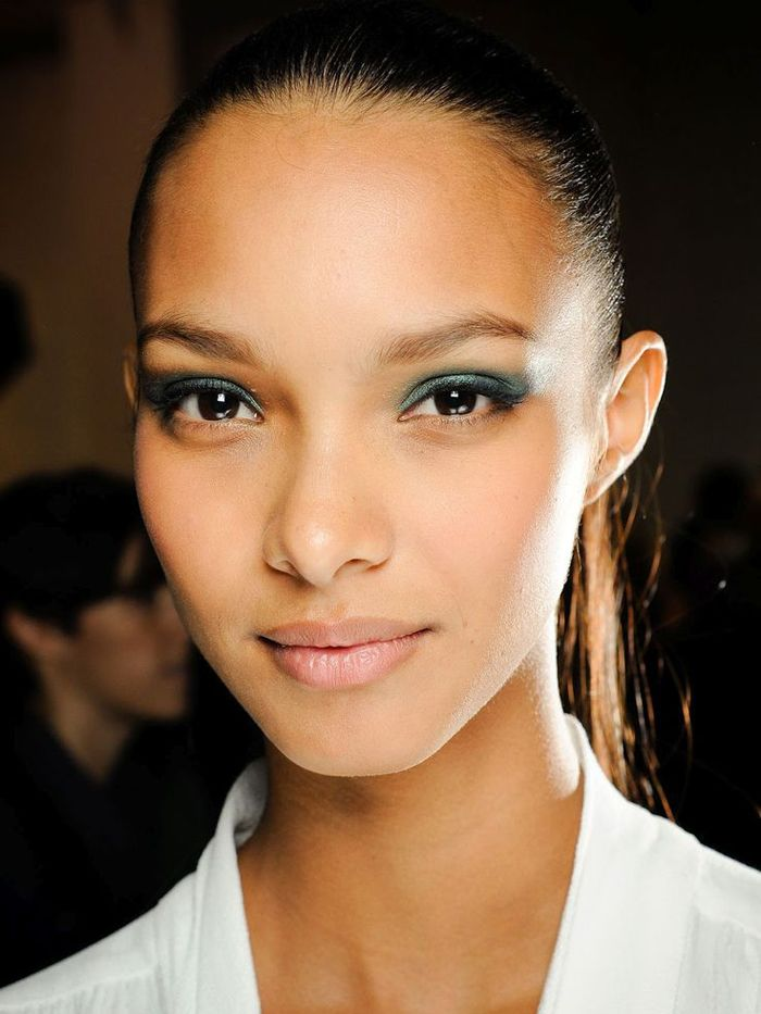 Five Makeup Tips From A Pro Makeup Artist: 5 Going-Out Makeup Looks To Try Tonight