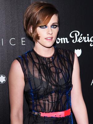 Whoa—Kristen Stewart STUNS in Electric Blue Eyeliner
