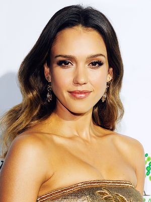 Jessica Alba's Bronzy Gold Makeup, and More Celeb Beauty!