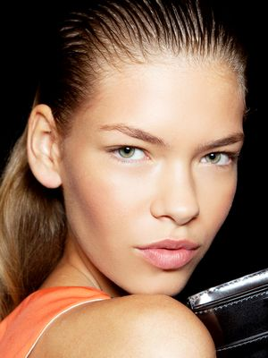 The Eye Makeup Trick for Small Eyes That Makes a BIG Difference