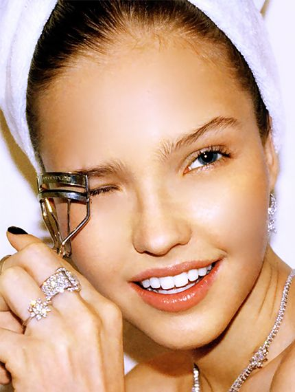 25 Beauty Skills Every Woman Should Master