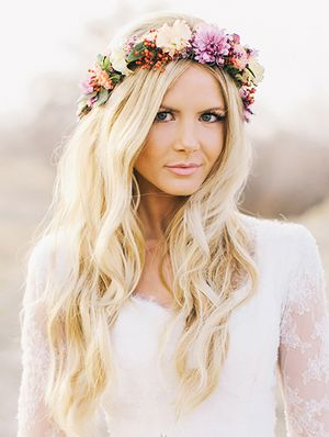 15 Gorgeous Ways To Wear Your Hair Down For Your Wedding