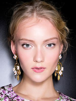 3 Unexpectedly Easy Spring Runway Beauty Looks To Try Now