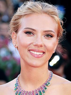 The Secret to Scarlett Johansson's Glowing Look