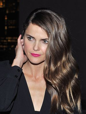 Keri Russell Sports Marc Jacobs' Makeup