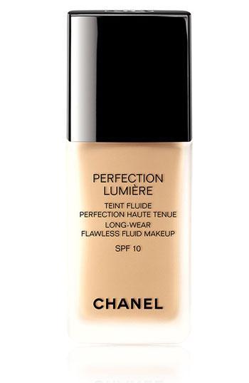 Chanel Perfection Lumiere Long-Wear Flawless Fluid Makeup