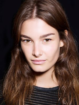 How to Revive Post-Flight Hair in 5 Minutes Flat