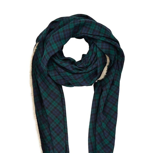 Must-Have: A Chic yet Cozy Scarf
