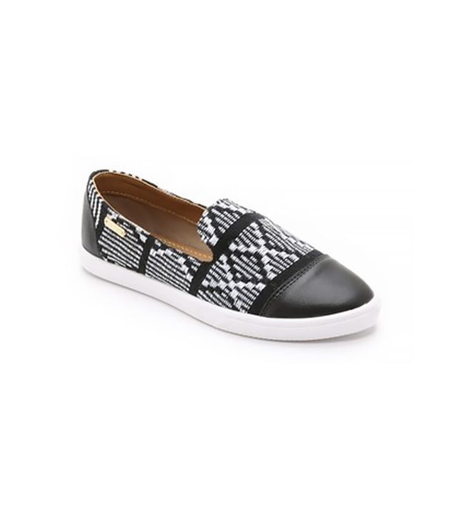 Kaanas Pointy Toe Slip On Sneakers