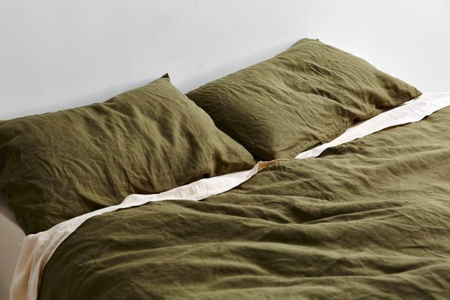 IN BED X Triibe Linen Duvet Set in Moss
