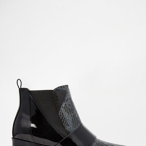 Run Away Pointed Chelsea Ankle Boots