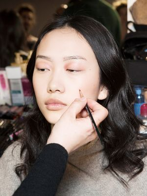 How to Cover Cystic Acne: A Makeup Artist Reveals All