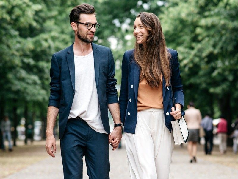 32 Signs You're Comfortable in Your Relationship | MyDomaine AU