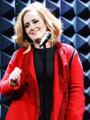 Adele Debuts a Short and Shaggy Haircut