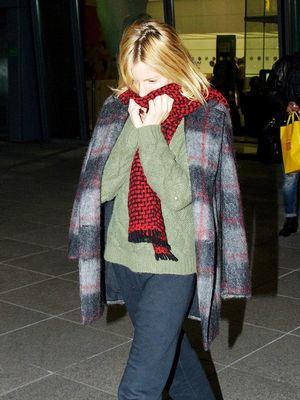 Only Sienna Miller Could Make Sweatpants Look This Chic