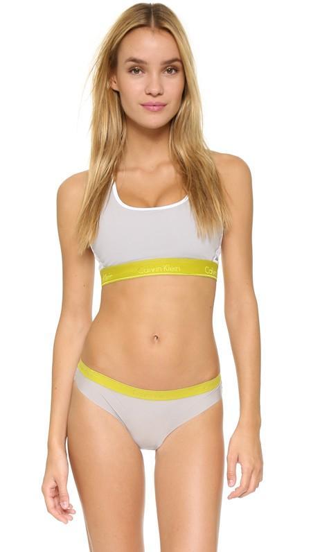 Calvin Klein Underwear Flex Motion Medium Impact Racer Back Bra