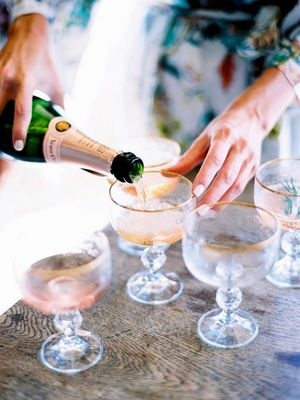 How to Serve Champagne Like a Pro
