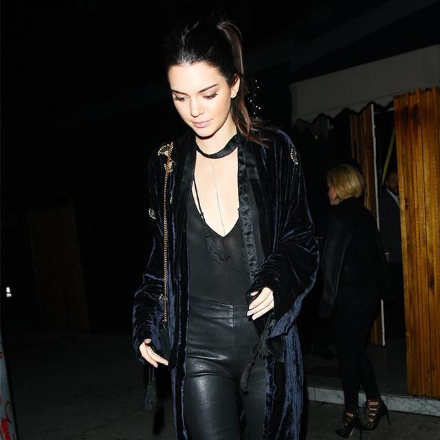Kendall Jenner Wore The Coolest Velvet Jacket Last Night