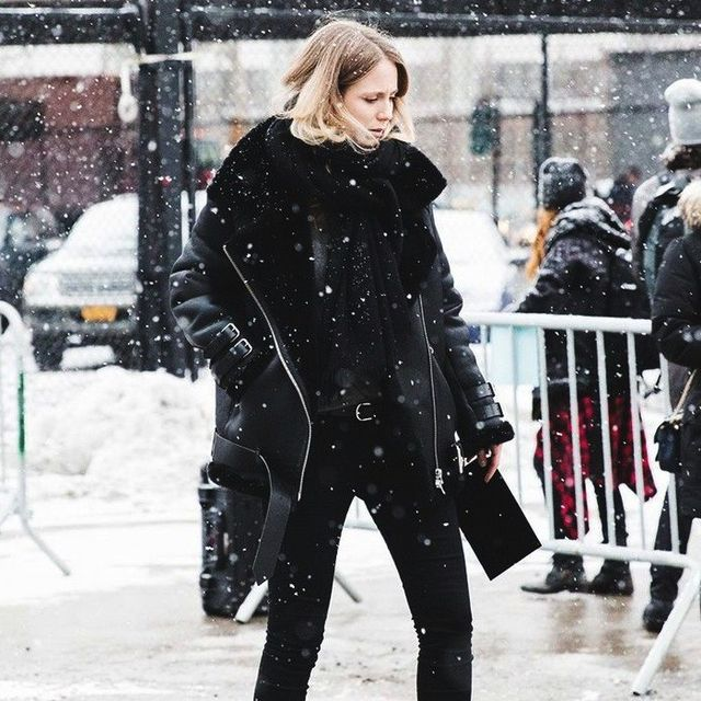 Steal This Street Style Star's All-Black Shearling Look for Winter