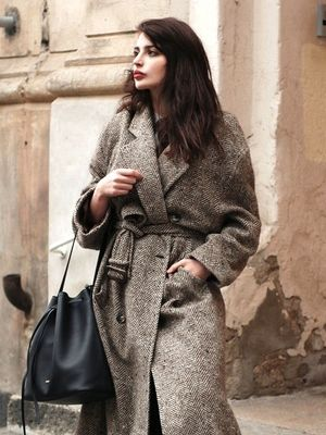 See How This Blogger Masters a Belted Coat Look for Winter
