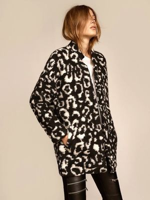 This Edgy Leopard-Print Look Is a No-Brainer for Winter