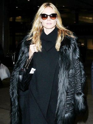 Heidi Klum Just Wore the Most Comfortable Airport Outfit Ever