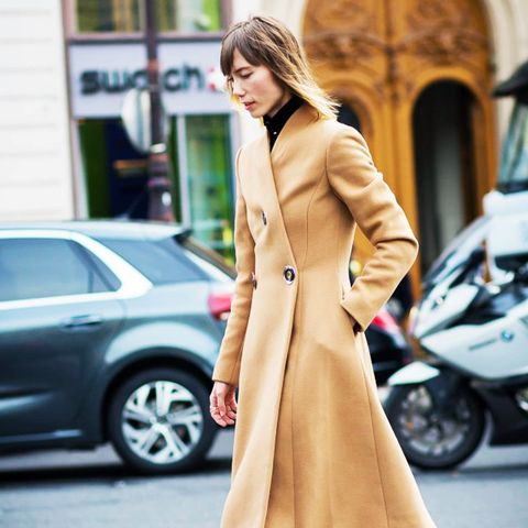 6 Minimalist Outfit Ideas Perfect for Cold Weather