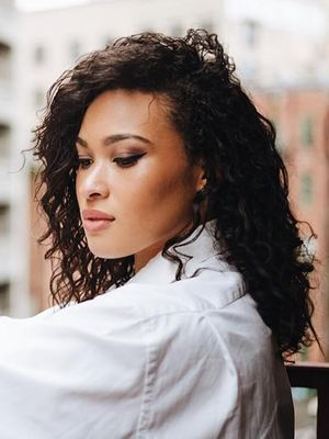 The Best Haircuts for Girls With Extremely Curly Hair