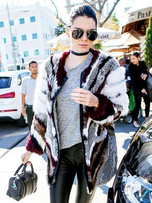 The Cool New Way Kendall Jenner Is Styling Her Sneakers