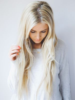 4 Easy Ways to Get Amazing Hair Color Without Stepping Foot in a Salon