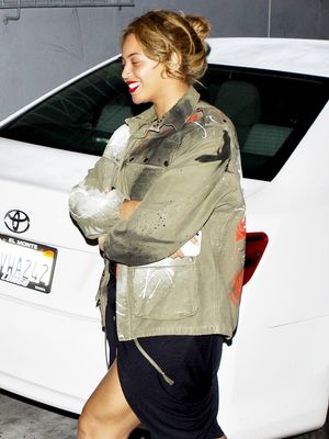 How Beyoncé Masters Effortlessly Cool Date Night Style