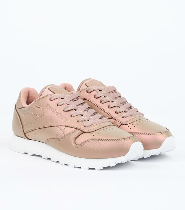 Reebok CL Sneakers