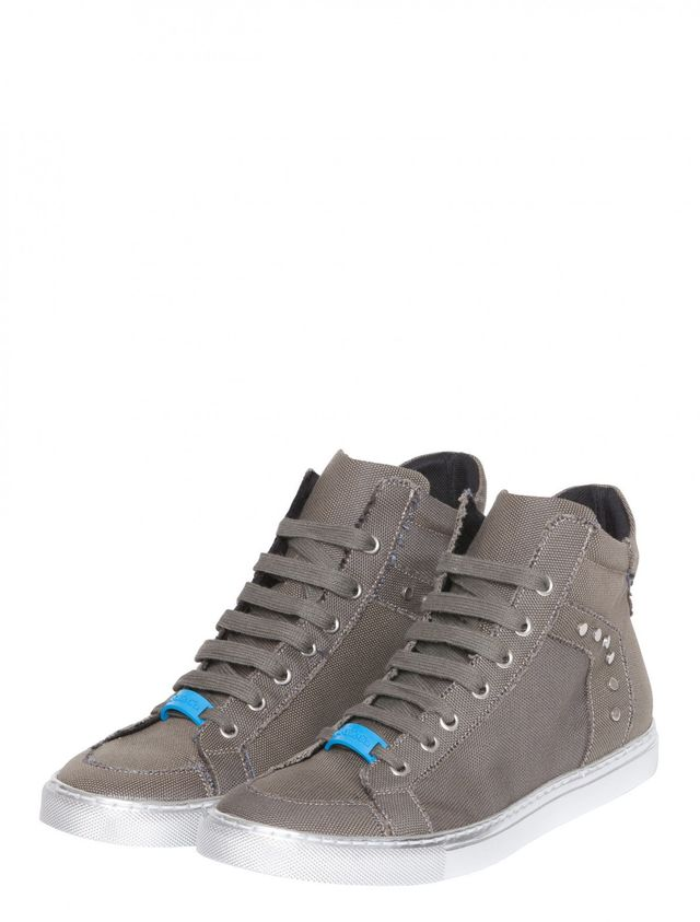 Max&Co. Canvas Trainers with Silver-Colored Sole