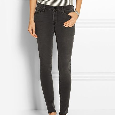Le Skinny de Jeanne Frayed Mid-RiseJeans