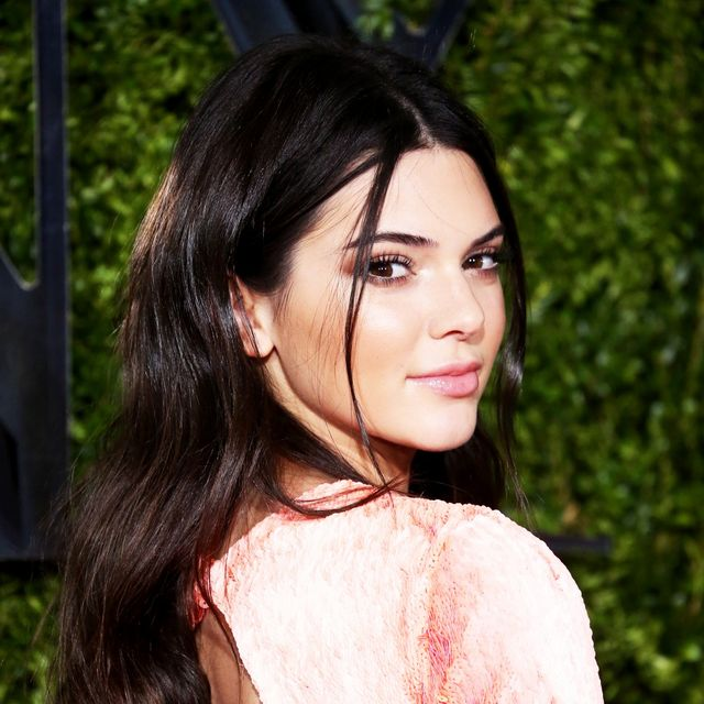 Kendall Jenner Gives Us '90s Nostalgia and the Perfect Cat Eye