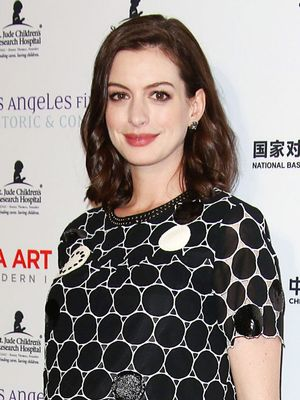 Anne Hathaway Wore a Minidress for Her First Red Carpet Maternity Look