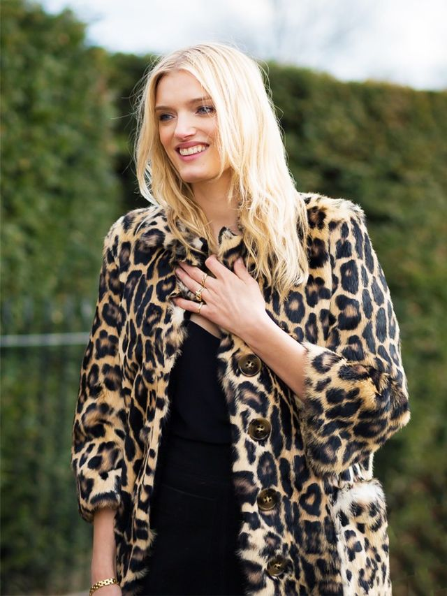 London Look #5: Leopard Coat Over an All-Black Outfit