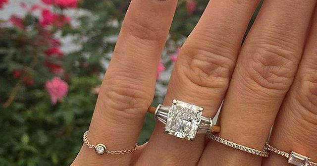 What The Average Girl Considers A Big Engagement Ring