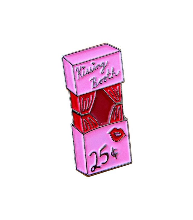 Ban.do Kissing Booth Pin
