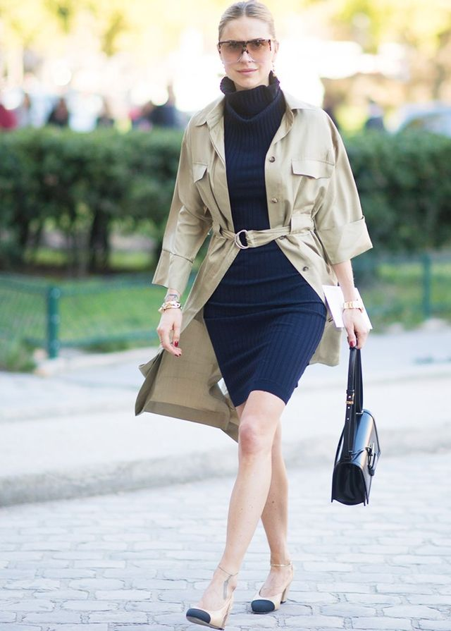Pernille Teisbaek wears her gold ankle chain with chic Chanel pumps.