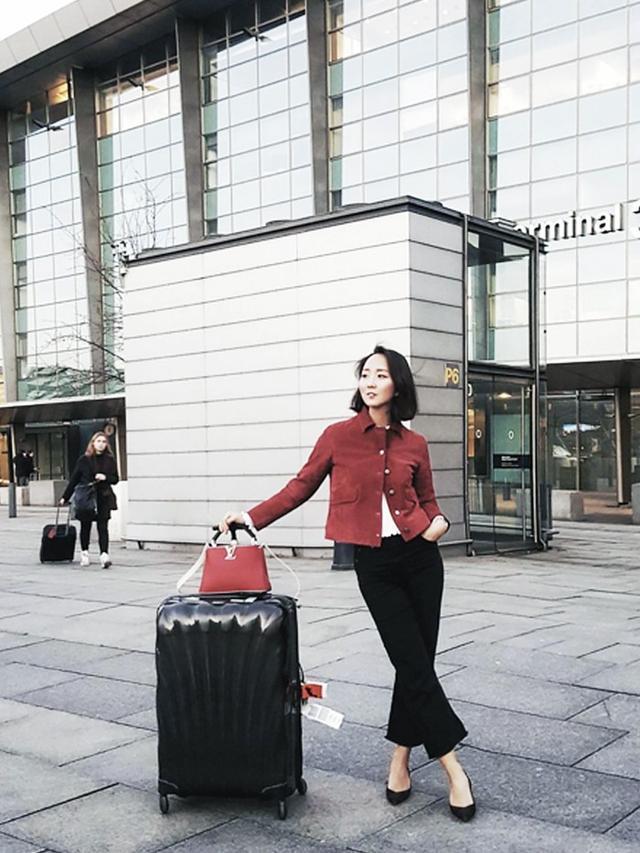 On Shini Park: Zara jacket; ASOS jeans; Louis Vuitton bag.