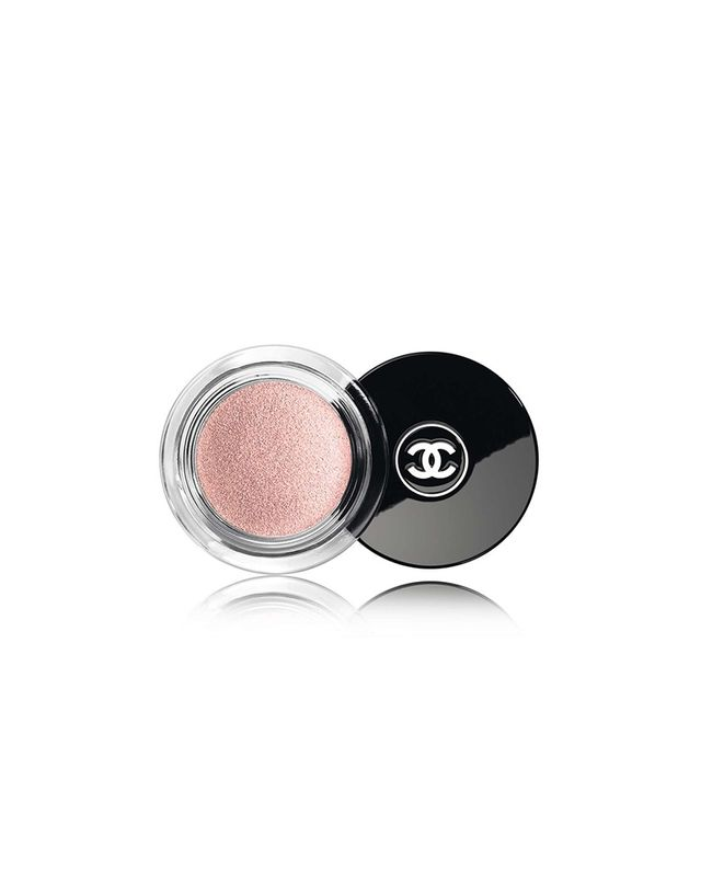 Chanel Illusion D'Ombre Long Wear Luminous Eyeshadow in Emerveille