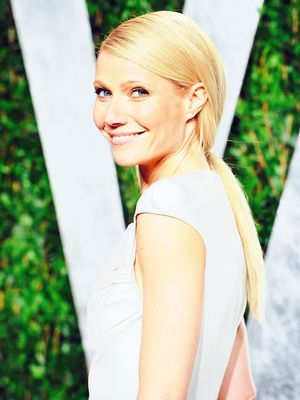 Gwyneth Paltrow and Daughter Apple Look Identical in This Instagram Selfie