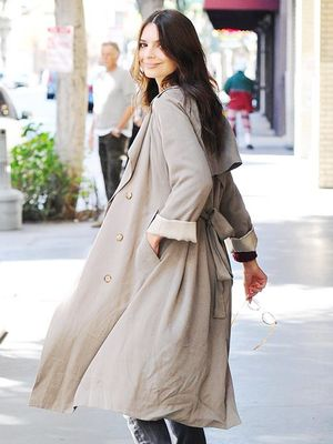 Emily Ratajkowski Even Makes a Trench Coat Look Fashion Forward